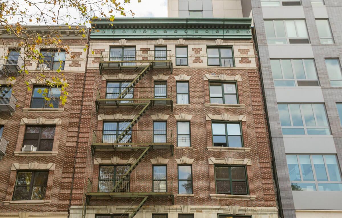 246 Manhattan Ave